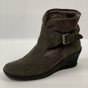 Bare Traps Gray Leather Suede Wedge Ankle Boots